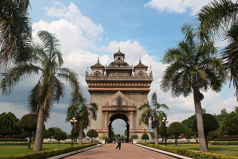 Patuxai-Gate-in-Thannon-Lanxing-area-of-Vientiane-Laos
