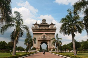 Patuxai-Gate-in-Thannon-Lanxing-area-of-Vientiane-Laos